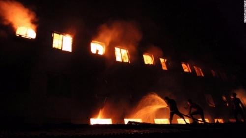 121126122525 10 bangladesh fire horizontal large gallery 3