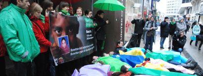 Die-in voor Benetton winkel in Brussel